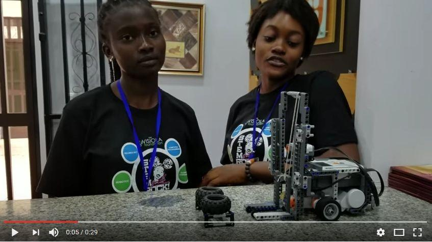 Teenage girls impress US Secretary of State with STEM skills